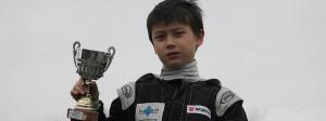 Titus-mit-Siegerpokal-2012