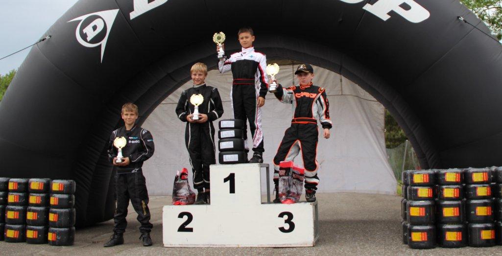 Titus-gewinnt-Dunlop-Cup-Rennen2-Wohlen-2012